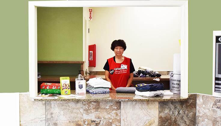 Hillcrest Laundromat Drop-off Full-Service Area